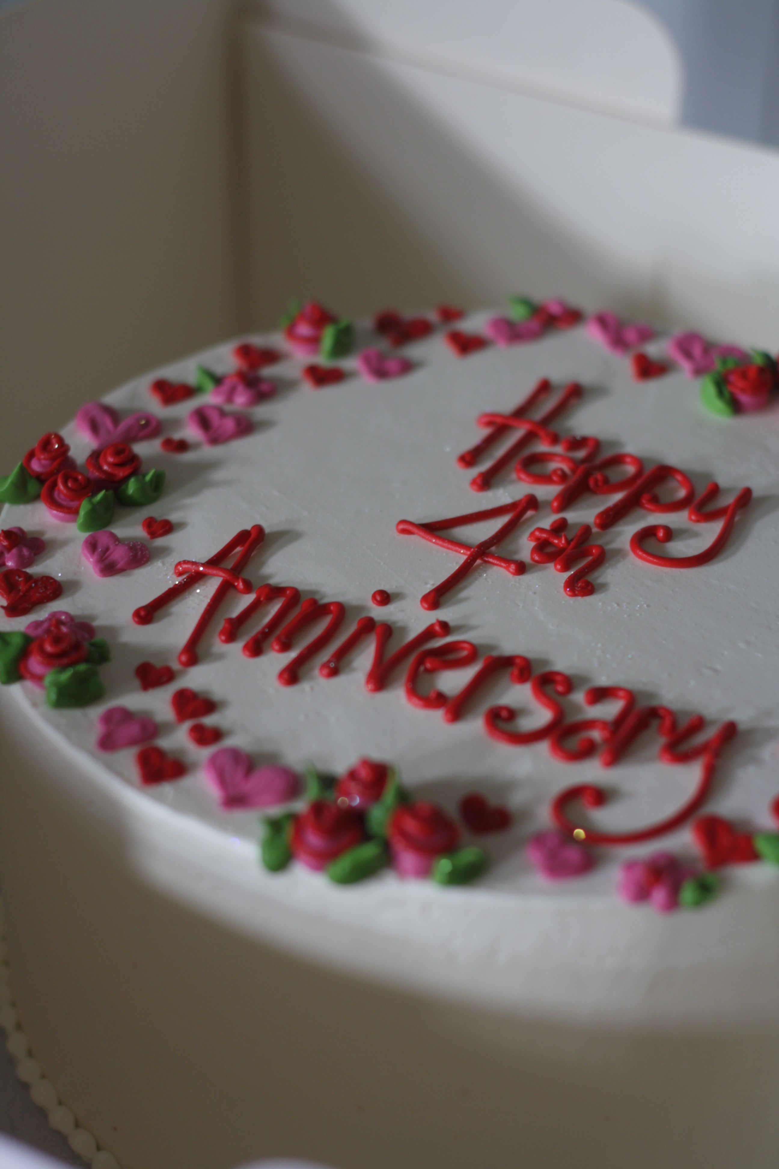 Best 4th Wedding Anniversary It Gets Better Every Year 4th Anniversary Cake Happy Anniversary Cakes Wedding Anniversary Cakes 4th Wedding Anniversary
