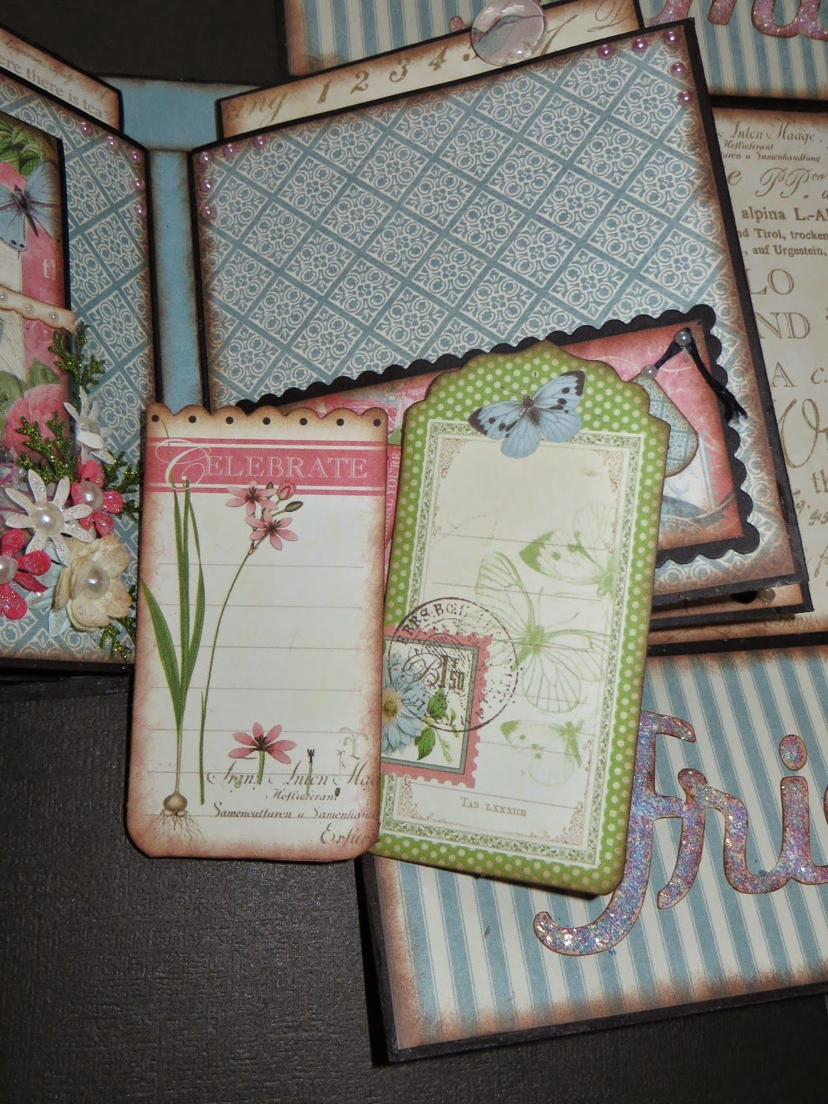 Gate Fold in a Box - Graphic 45: Botanical Tea - by Diana Taylor, moshiesmoments (Paper Hoarder Disorder Tutorial)