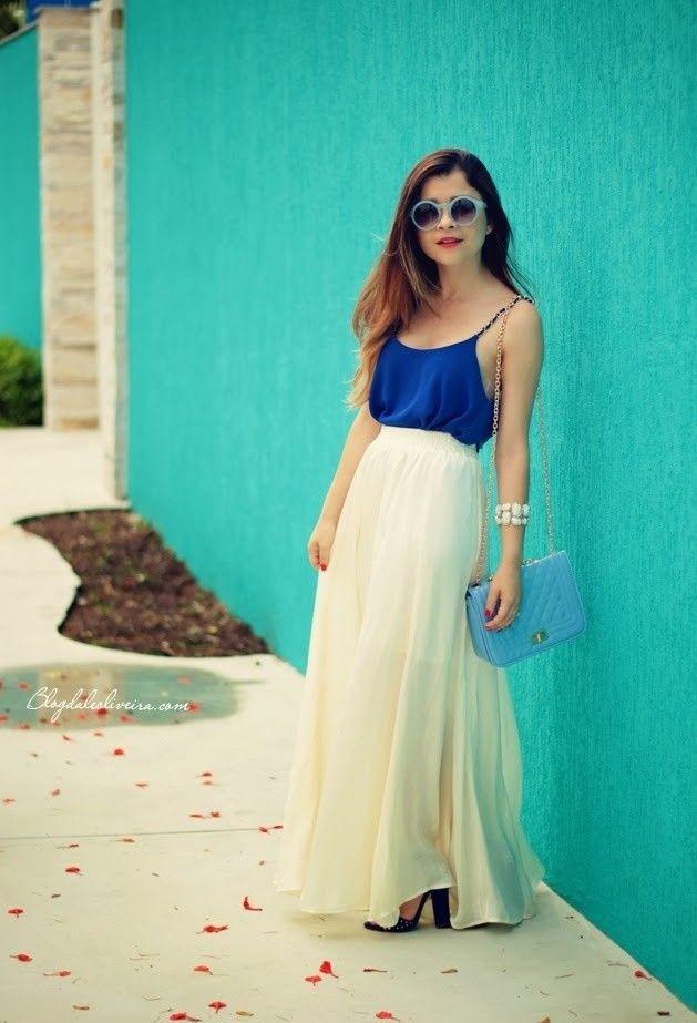 b753973a7 La falda es larga, blanca, y suelta. A mí me gusta las faldas cortas ...