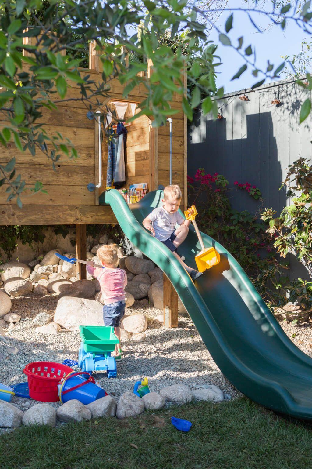 Photo of Construcción de nuestro castillo de patio trasero con madera, por supuesto + Fort Roundup – Emily Henderson