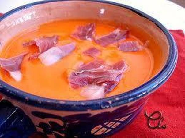Gazpacho de pimientos con jamón