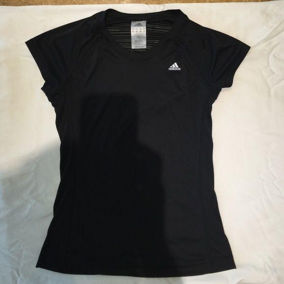 Adidas sport t-shirt Adidas sport t-shirt clima cool in black Adidas Tops Tees - Short Sleeve