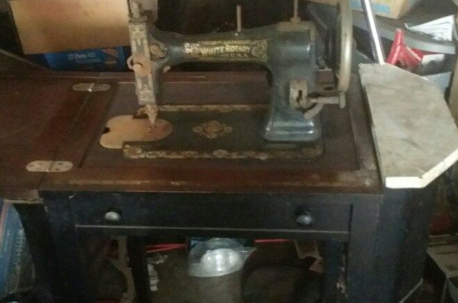40 White Rotary Electric Or Treadle Sewing Pinterest Delectable 1913 White Rotary Sewing Machine