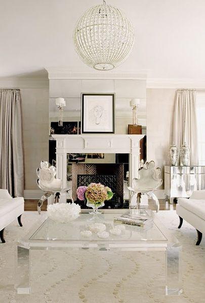 Clear Table - Beautiful Decor