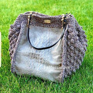 "Photo of Fettuccialove on Instagram: ""Fettuccialove noisette . . . . #handmadebag #borsapersonalizzata #handmadelove #borsefatteamanoinitalia #borse #bag #bagcrochethandmade…"""