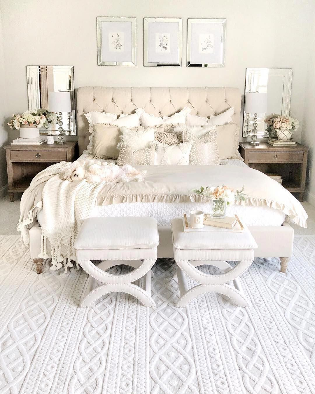Platform Beds Remain In Fashion The Oriental Look Is One Of The Rage Design For Modern Day Furniture In 2020 Simple Bedroom Luxurious Bedrooms Master Bedroom Design