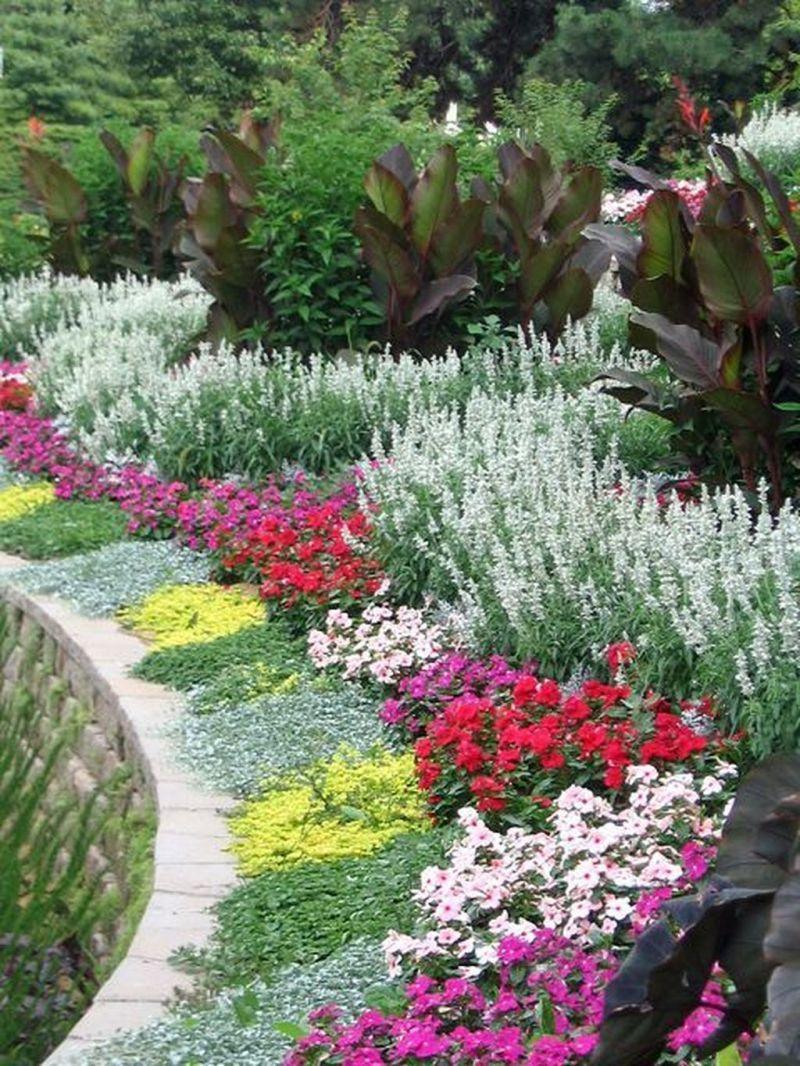 Flower Beds Ideas To Make Your Garden Beautiful 12 Beautiful Flowers Garden Backyard Flowers Beds Flower Garden Design