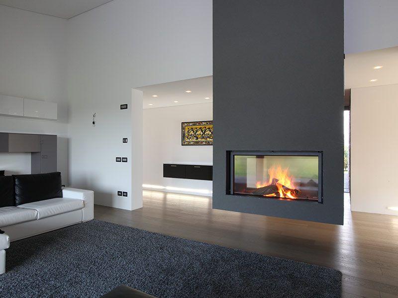 Caminetto moderno bifacciale moderni unutarnji kamini for Case di design moderno