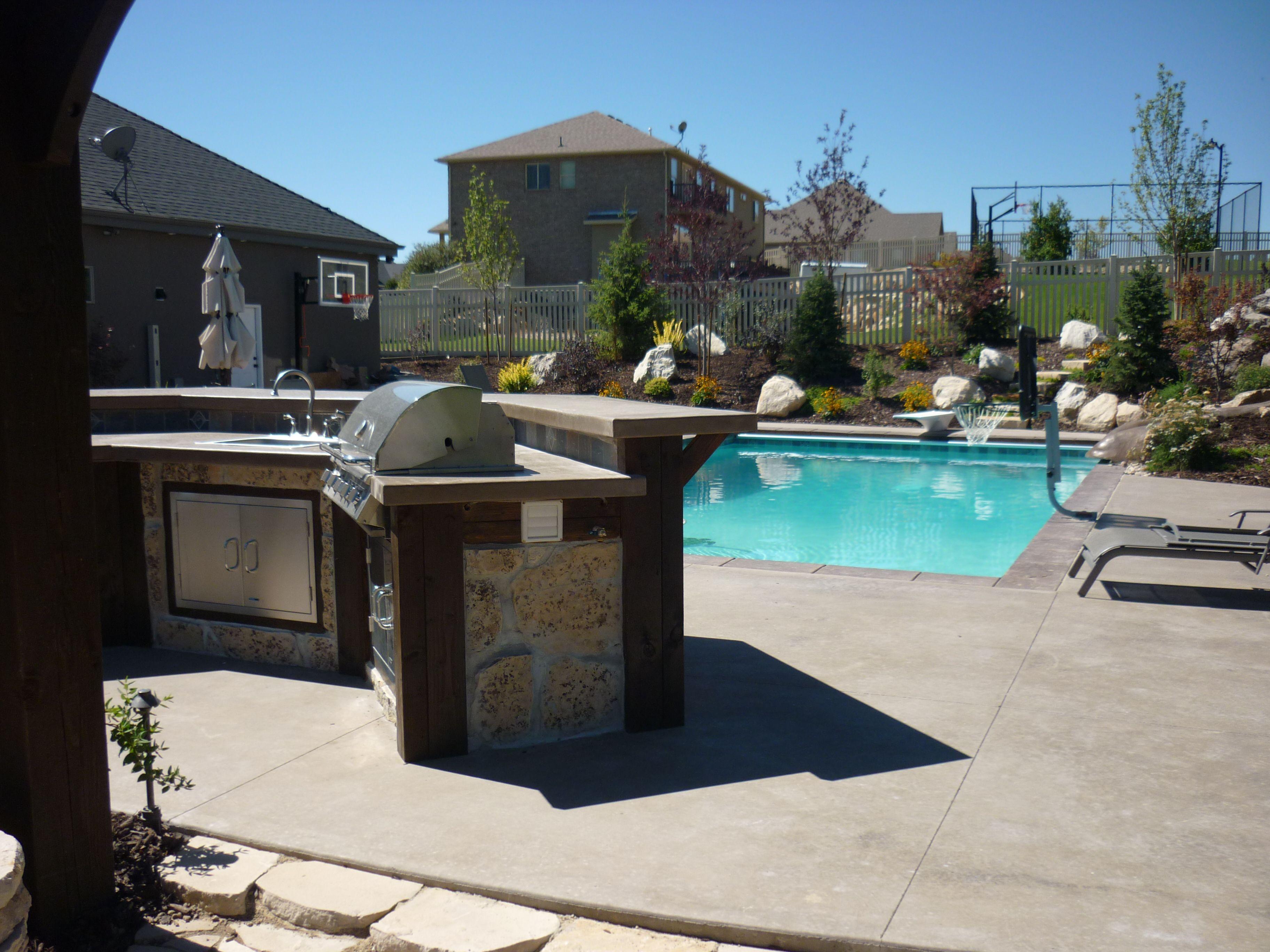 The Creative Fun Backyard For Everyone To Enjoy Outdoor Kitchens Patios Pergolas