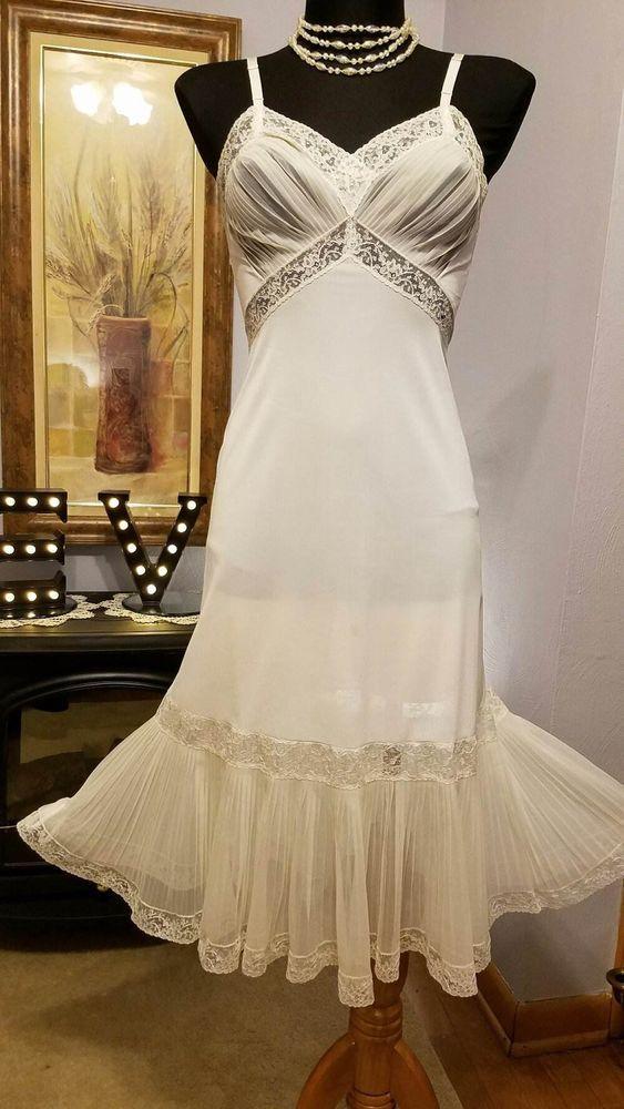 Vintage Slip 34 VAN RAALTE Ivory Nylon Taffeta Lace Full Dress