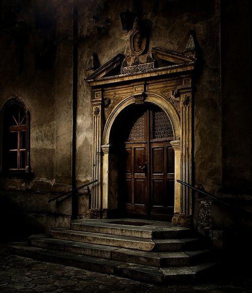 Medieval Front Doors: Https://s-media-cache-ak0.pinimg.com/736x/f2/56/20