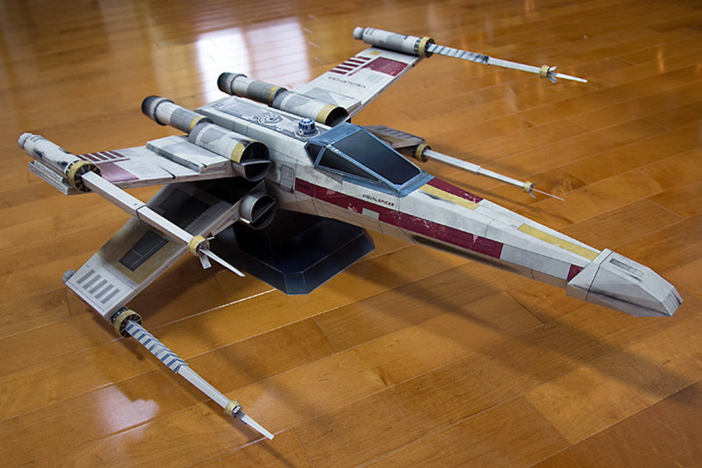 T 70 X Wing Fighter Was The Successor To The T 65b X Wing Starfighter Manufactured By Incom Freitek For Use By The New Republic Concept Ships X Wing Star Wars
