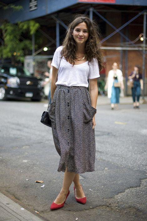 missmossblog (via Asli Kalalioglu | Street Fashion | Street Peeper | Global Street Fashion and Street Style) #springskirtsoutfits