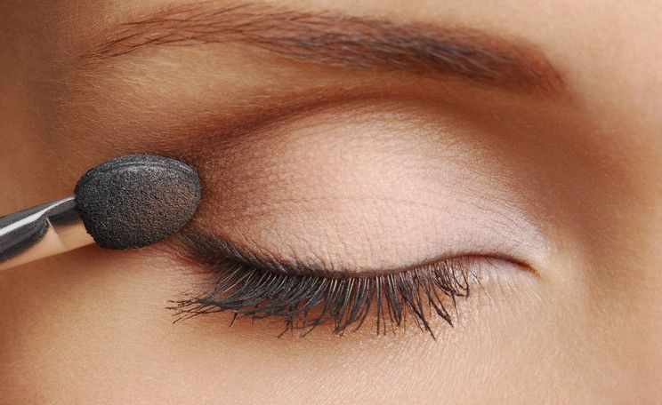 Photo of Great eye make-up: 4 steps: Apply eye shadow correctly
