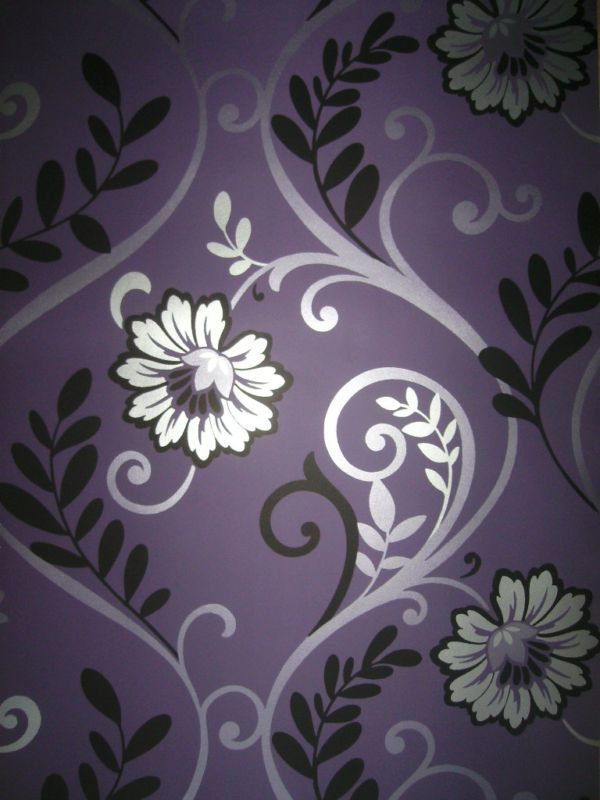 Stunning purple silver feature wallpaper purple for Purple feature wallpaper living room