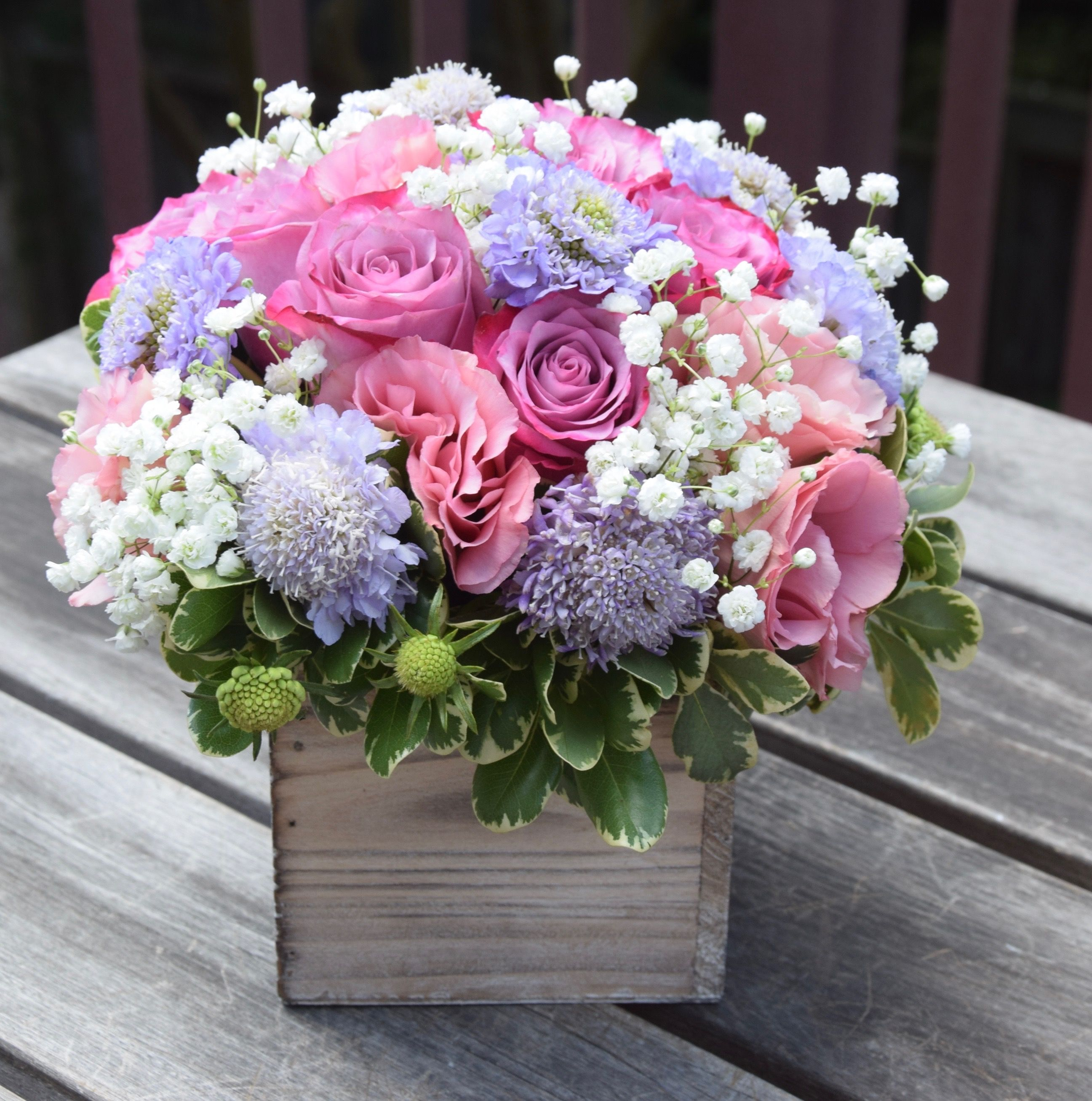 Floral Gift In A Wooden Box Roses Lisianthus Scabiosa Baby Breath Fresh Flowers Arrangements Spring Flower Arrangements Flower Arrangements