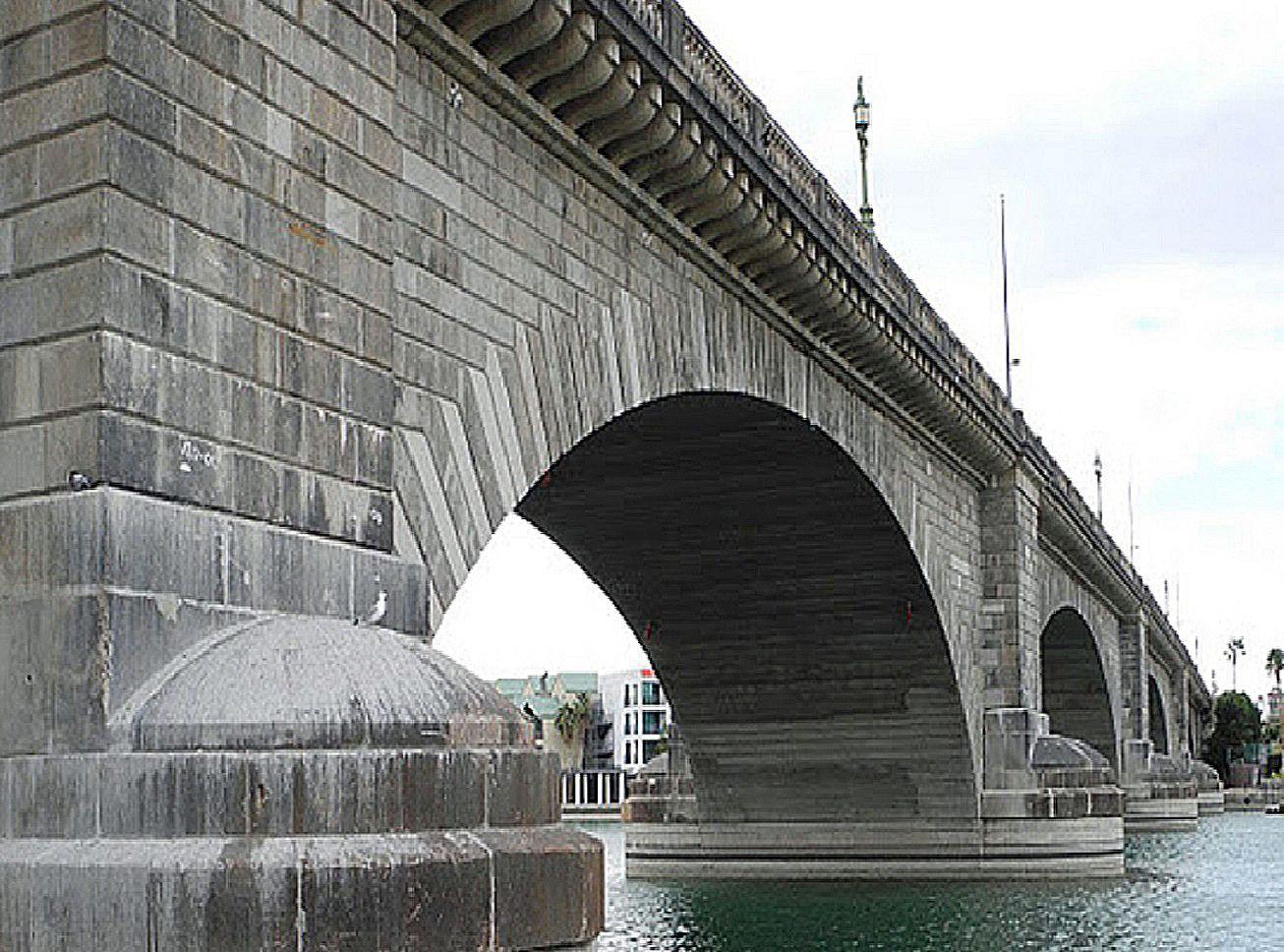 Arizona: London Bridge isn't falling down!