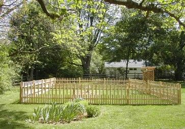 4 Cedar Custom Spindle Fence Contemporary Home Fencing And Gates Philadelphia By The Fence Authority Cedar Fence Pickets Fence Design Garden Fencing