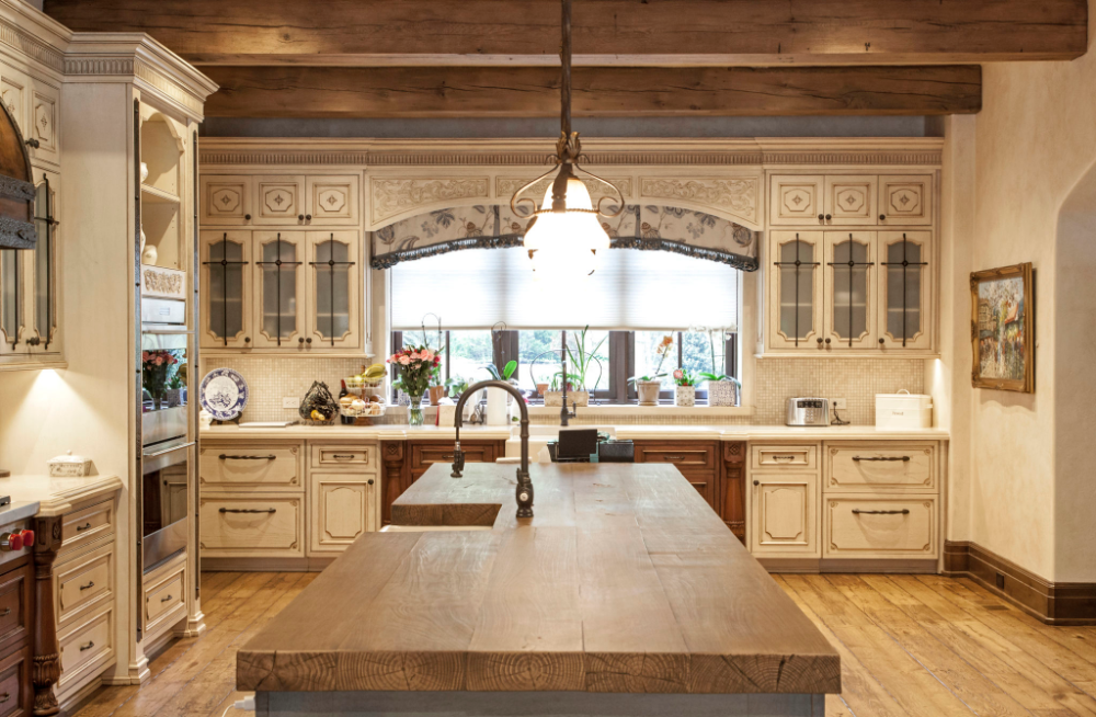 French Rustic Kitchen | WL Kitchen & Home