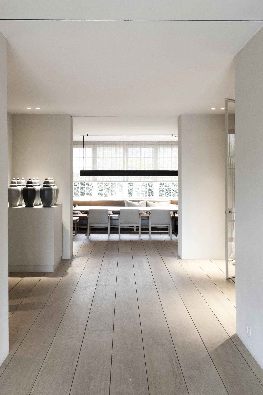 project hh vincent van duysen warm minimalism. Black Bedroom Furniture Sets. Home Design Ideas