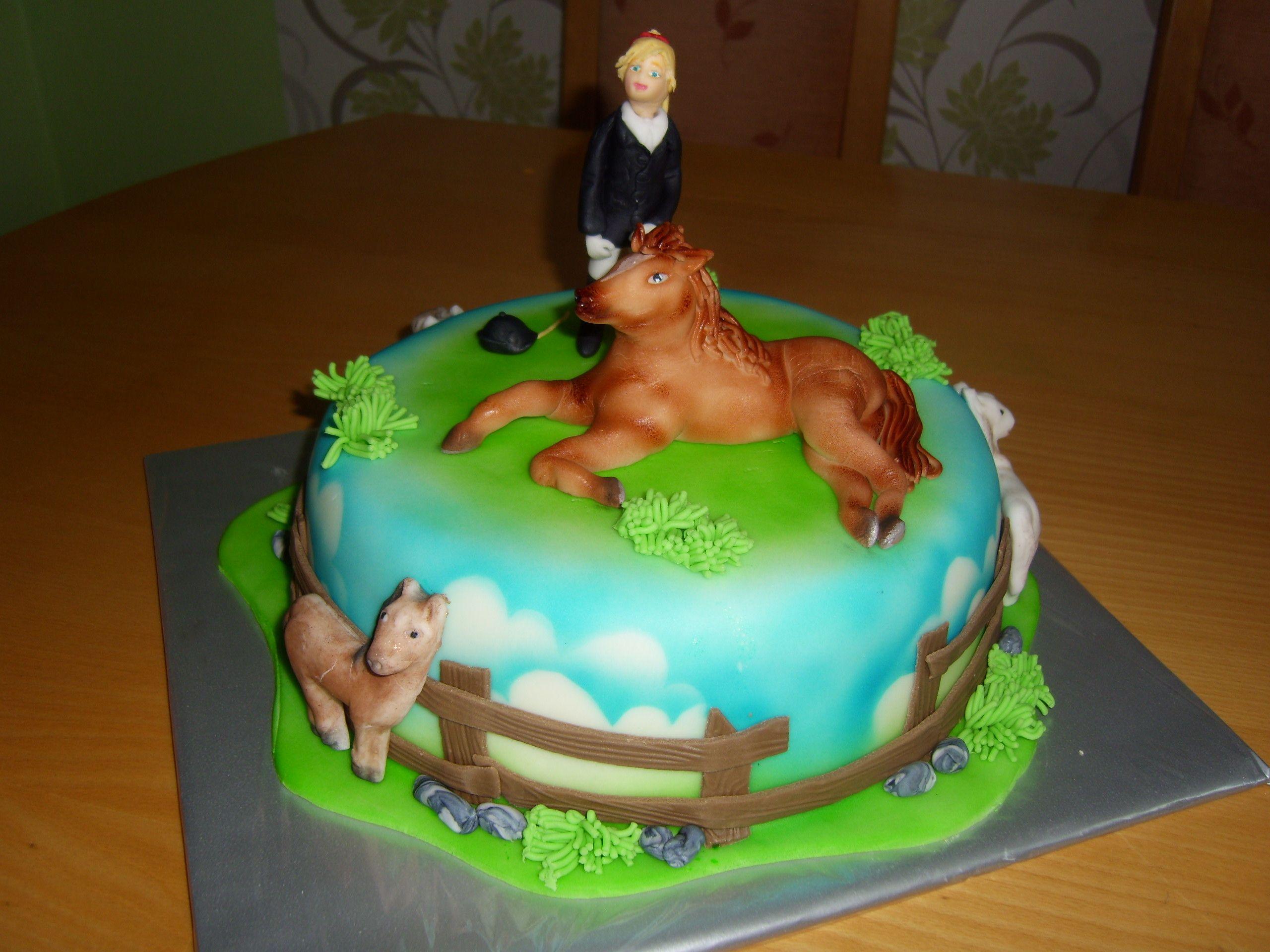 cake horse dort s koníkem