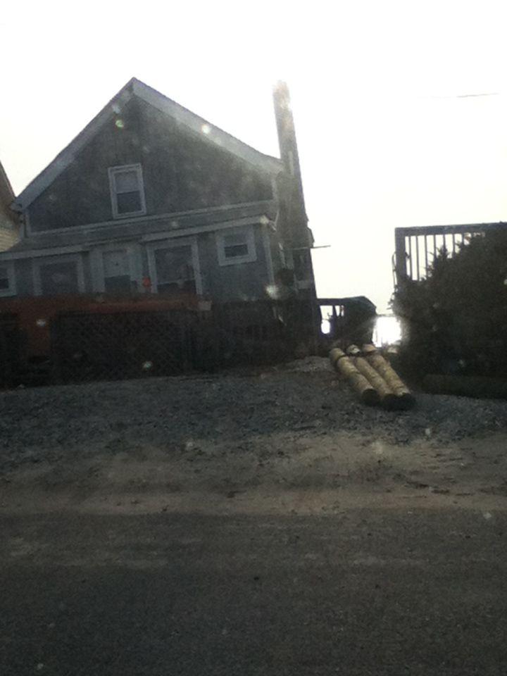 Hurricane Sandy victimized houses... soo sadd:( beachfront homes