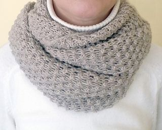 Free on ravelry the pattern is knit from bottom up on a circular beige cowlhat with bubbles knitted cowls dt1010fo