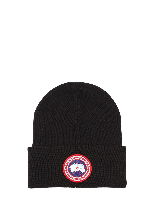 CANADA GOOSE ARCTIC DISC TOQUE BEANIE HAT.  canadagoose    656795b12718