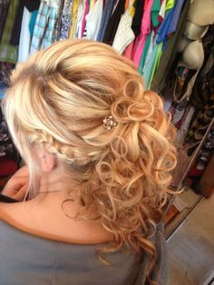 Image Result For Pinterest Mother Of The Groom Hairstyles Half Up Shoulder Length Hair Mother Of The Groom Hairstyles Hair Styles Updos For Medium Length Hair