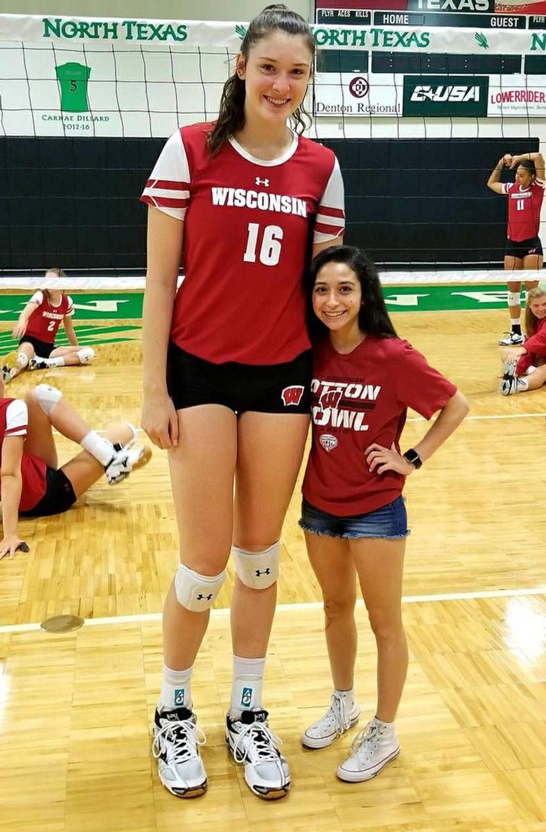 Dana Rettke Volleyball Player Female Volleyball Players Tall Girl Tall Women