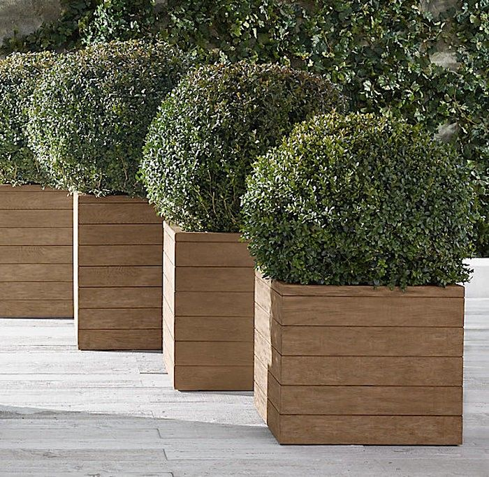 10 Easy Pieces Square Wooden Garden Planters Gardenista Large Garden Planters Outdoor Planters Large Outdoor Planters