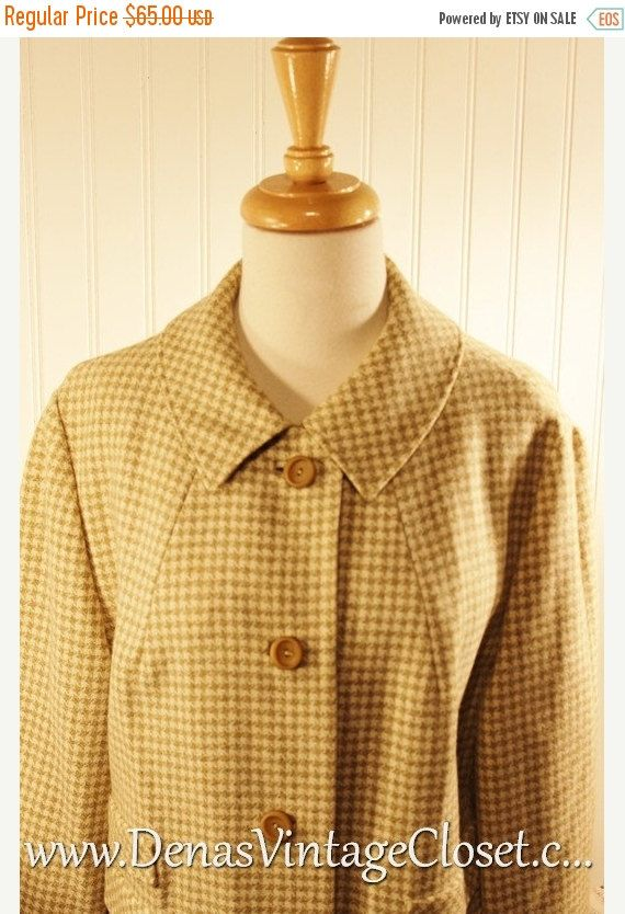 50% OFF New Years Sale Vintage 70s Houndstooth Wool Swing Coat Sage Green Ivory sz L/XL