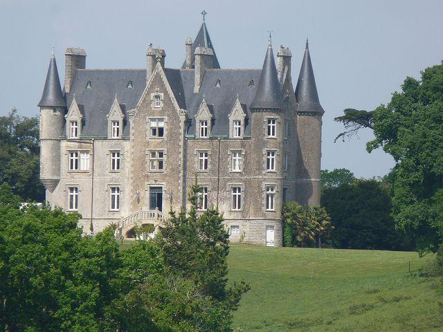 Chateau De Kerambleiz A Plomelin Bretagne Castle Kerambleiz In