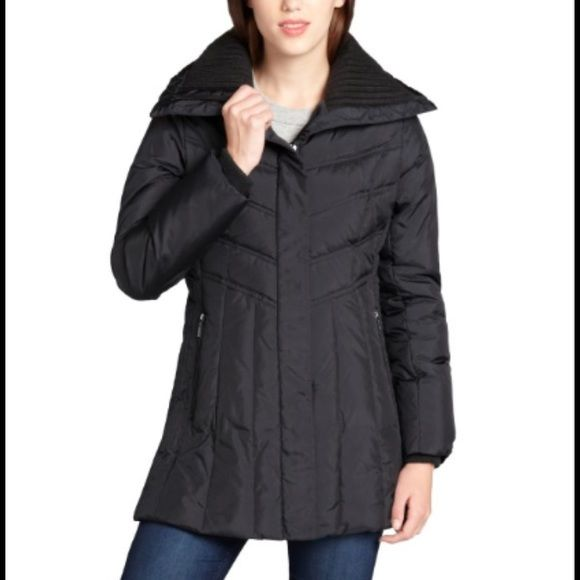 Cole Haan Black Quilted Puffer Coat Lightly worn coat that is 1 year old- perfect condition, just not my size. It's down filled with a knit collar. Very warm and comfy! Cole Haan Jackets & Coats Puffers