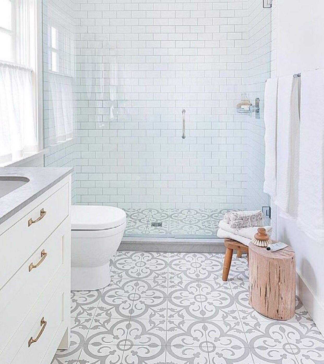 Banheiro clean, moderno, com metro white   CaSa con EnCaNtO ...