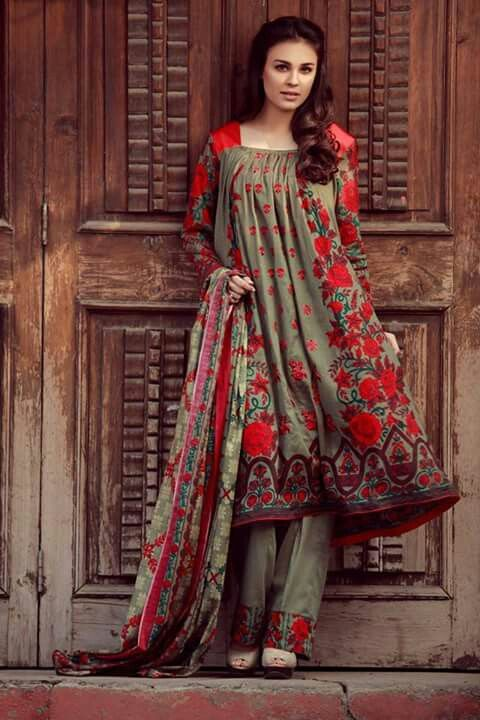 0f8c9878f6 Eid Dresses, Indian Dresses, Fashion Dresses, Girl Fashion, Pakistani  Outfits, Pakistani