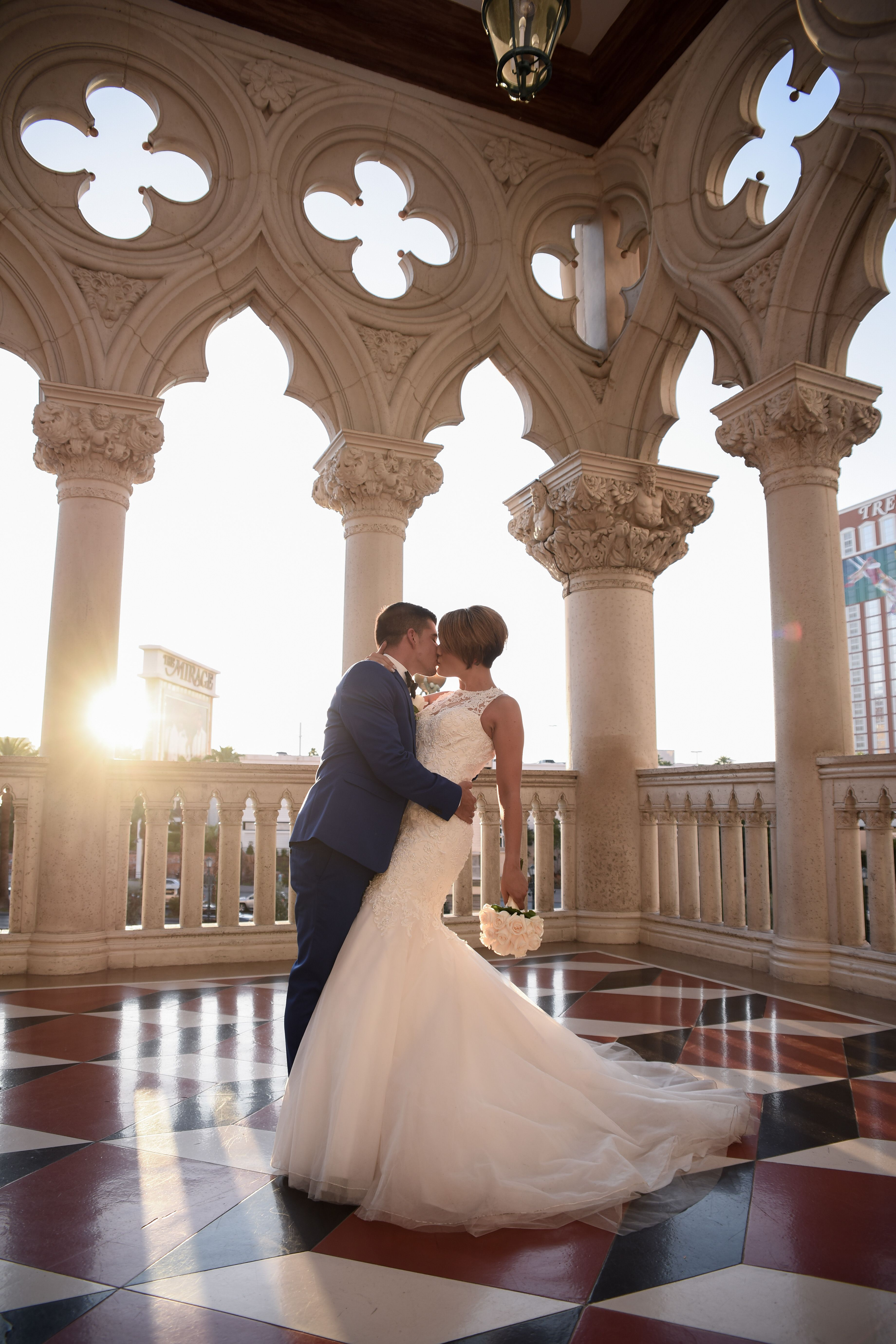 Wedding Photo Ideas For Las Vegas Do A Strip Shoot