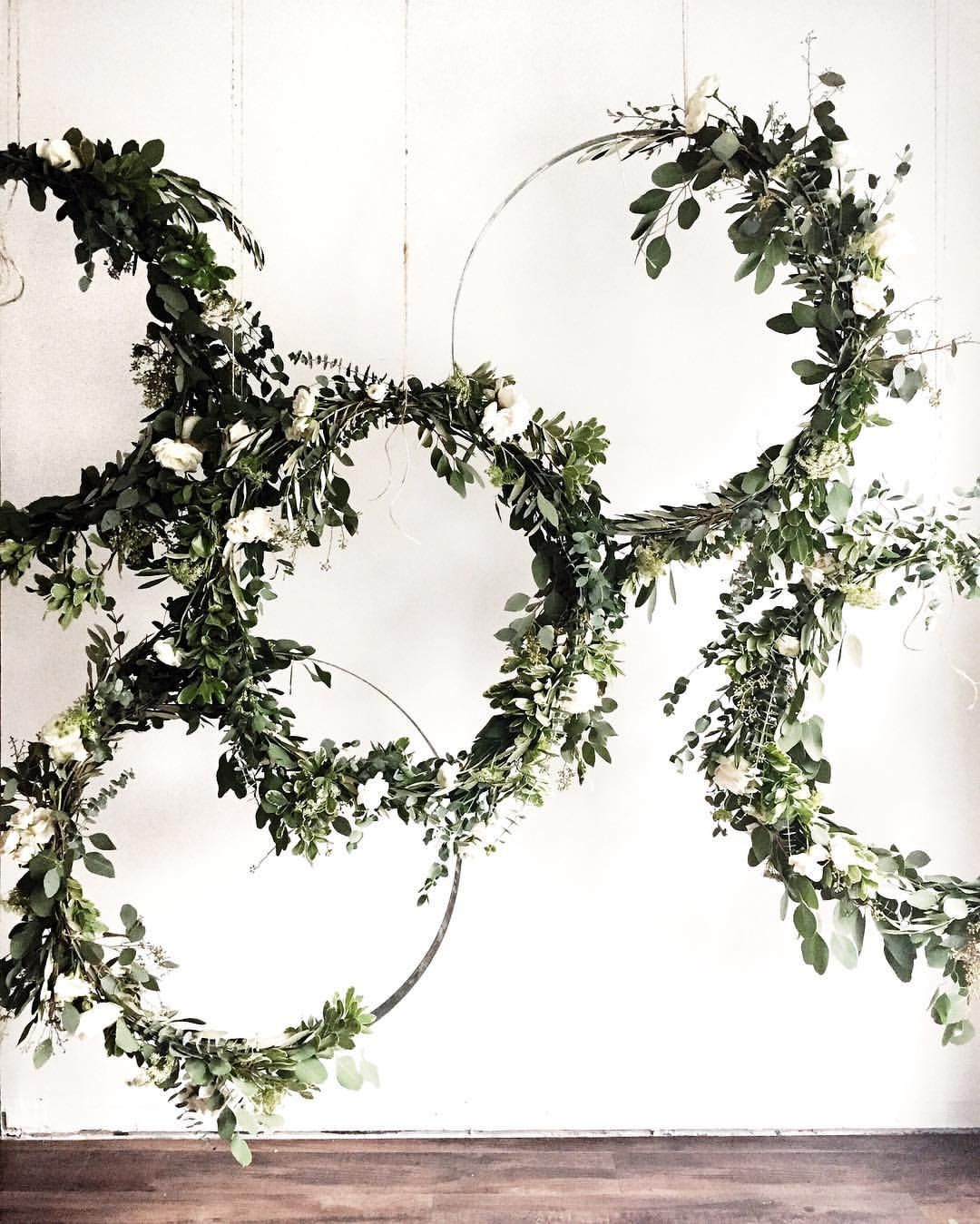 Greenery vine wreath could be inside an embroidery hoop for Wedding greenery ideas