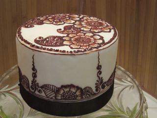 Mehndi Inspired Cake : Almost too beautiful to eat vanilla chiffon cake with chocolate