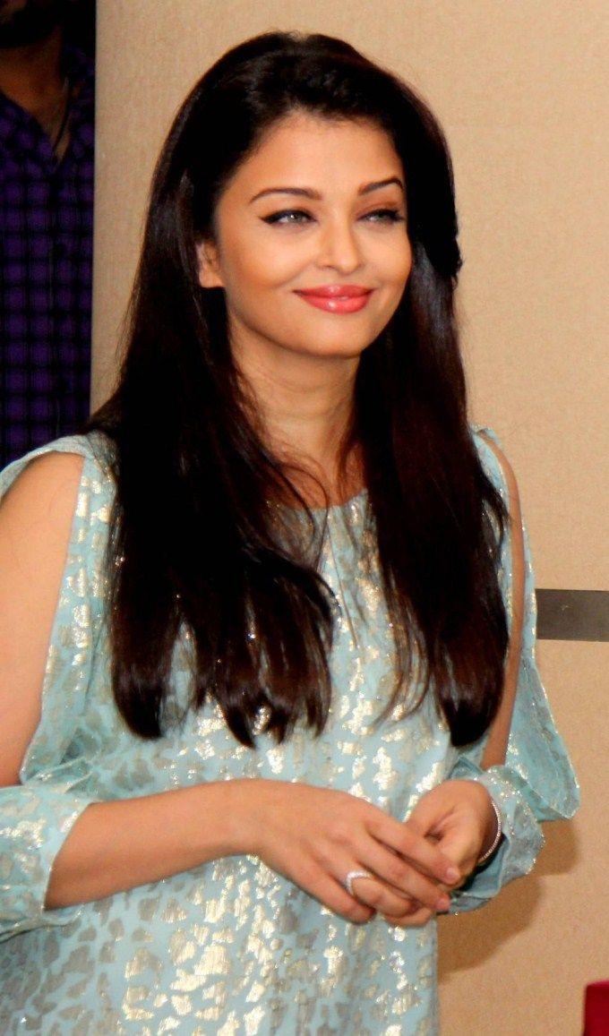 Aishwarya Rai Bachchan At Jazbaa Movie Cast Script Reading Event Aishwarya Rai Bachchan Actress Aishwarya Rai Bollywood Celebrities