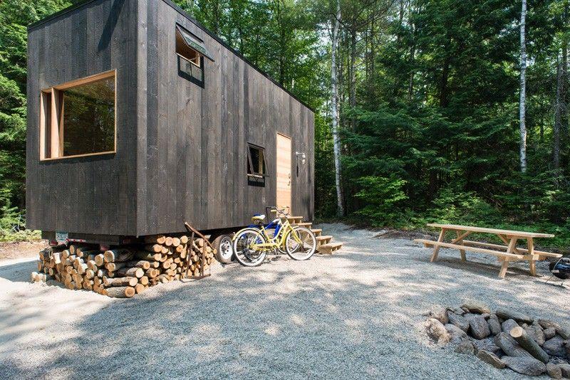 kleines haus wald natur fahrrad brennholz kies outdoor. Black Bedroom Furniture Sets. Home Design Ideas