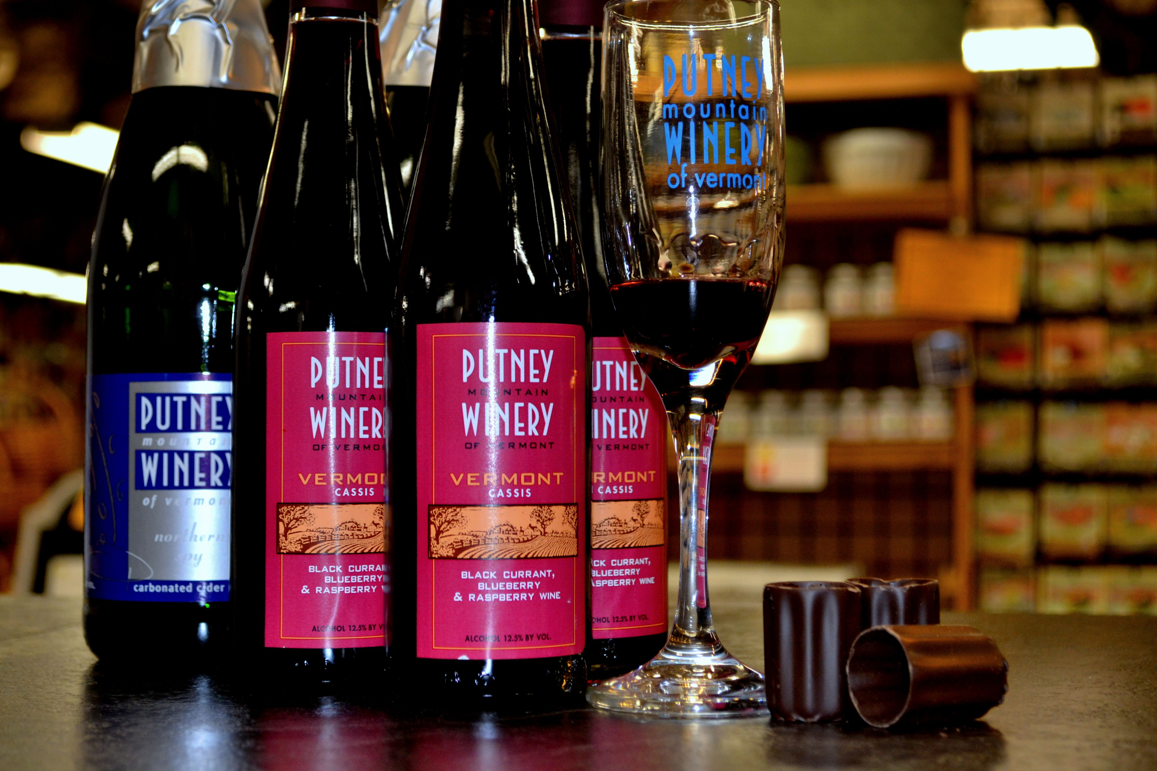 Cassis Kiss Putney Mountain Winery Cassis In Chocolate Shot Glasses Chocolate Shot Glasses Chocolate Shots Wine Recipes