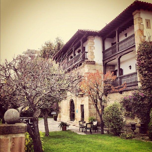 Parador de santillana del mar en santillana cantabria hotel restaurante cantabria recorre - Casa de cantabria en madrid restaurante ...