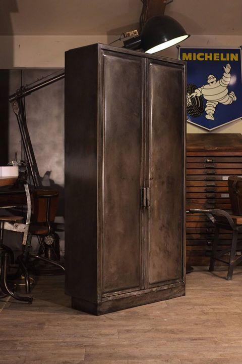 Armoire 1950 De Cuisine En Metal Brut Plus D Info Sur Http Ift Tt 1j72nm2 Deco Design Antiquitesdesign Meuble De Metier Escalier Bois Metal Industriel