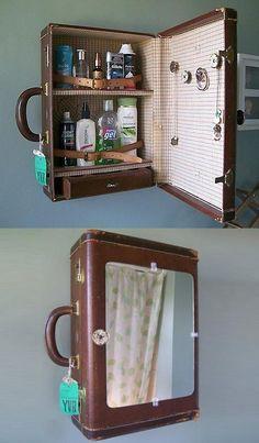 Vintage Suitcase, jetzt als Medizinschrank in der Hauptrolle (und es sieht so aus, als ob