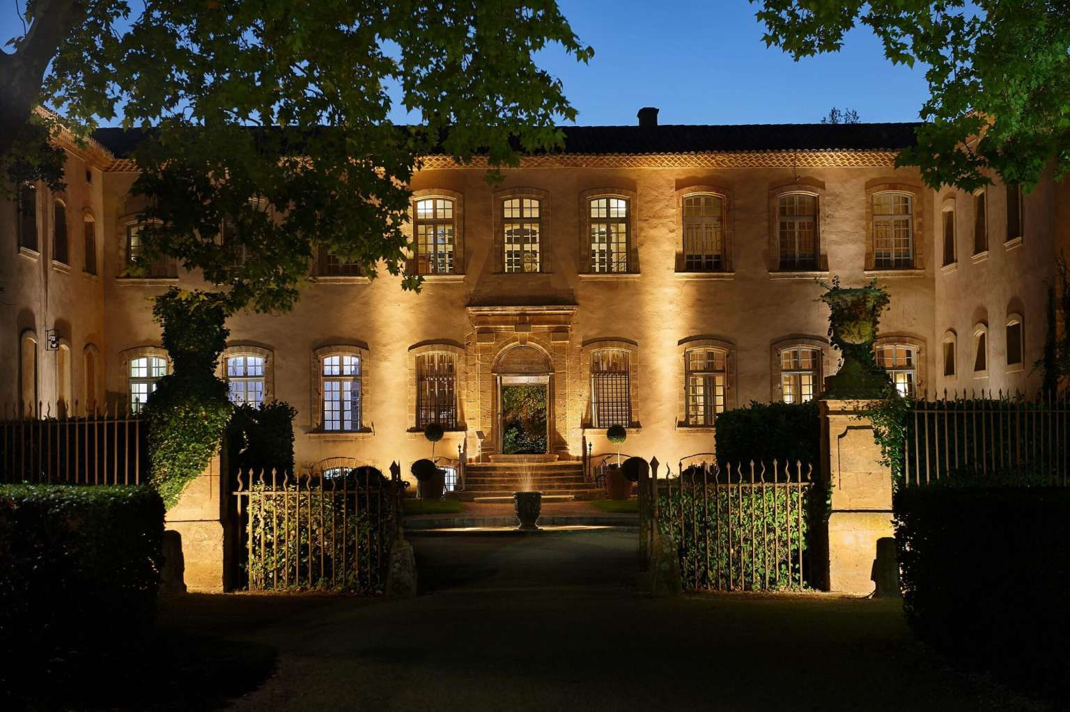 Le Chateau De La Pioline Un Hôtel 4 Etoiles Situé à Aix En Provence. Hotel Avec  Piscine, Restaurant Gastronomique étoilé, Parking Privé, Salle De  Séminaire, ...