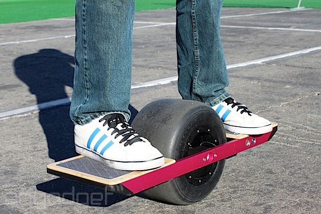 The Onewheel Self Balancing Single Wheeled Skateboard Comes To Ces We Take It For A Spin Video