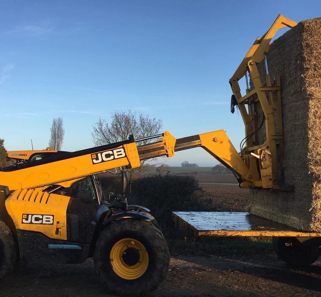 JCB Agriculture 535-95 AgriPro Loadall makes light work of even the  toughest jobs around the Farm! #farmingdoneright #JCB
