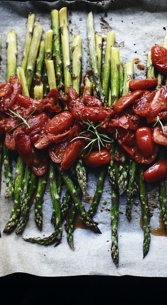 OVEN-ROASTED ASPARAGUS with PAN-ROASTED CHERRY TOMATOES & ROSEMARY [lily]