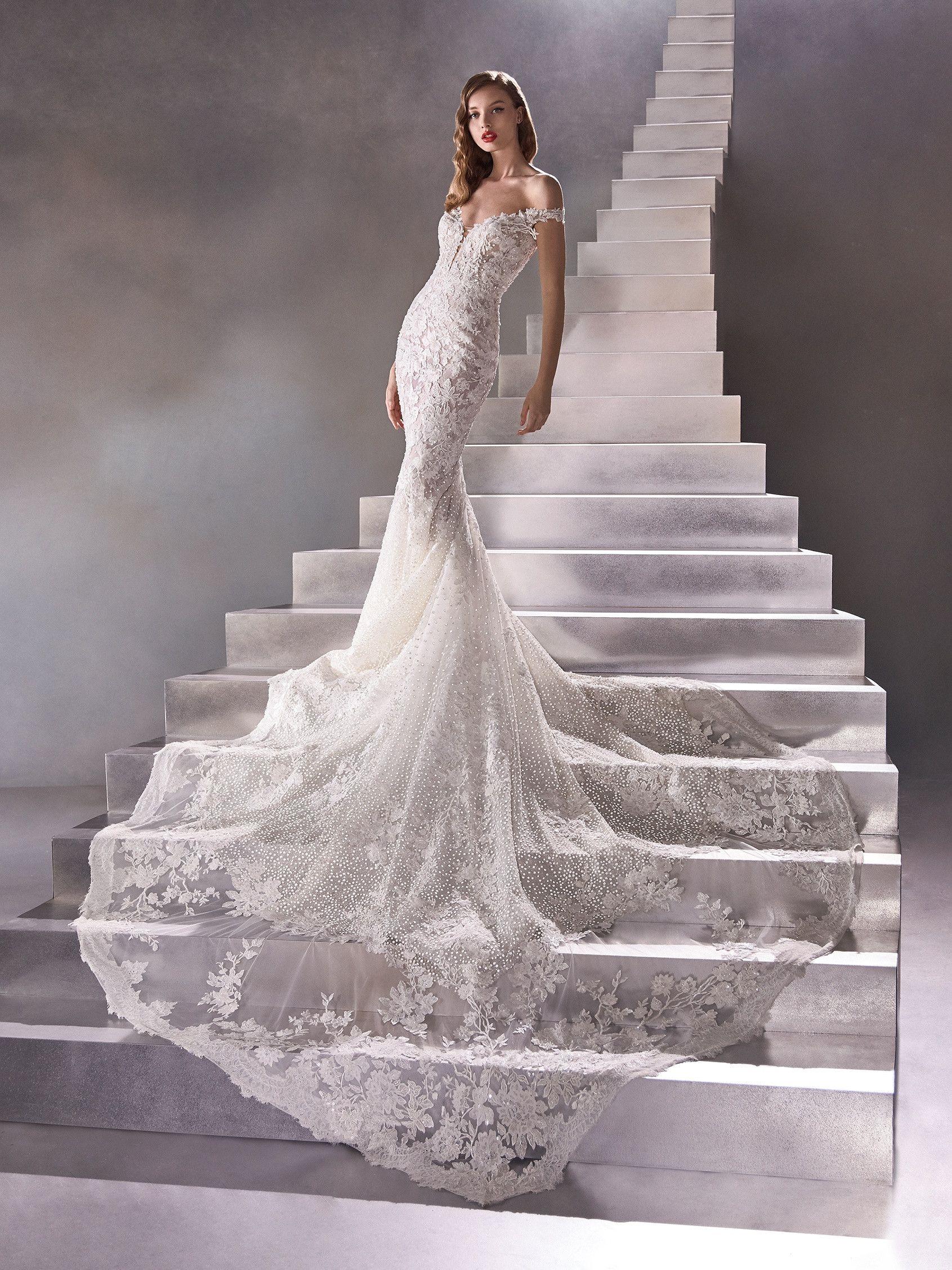 Asteroid In 2020 Pronovias Wedding Dress Wedding Dresses Lace Pronovias Bridal